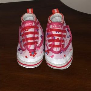 Other - Pretty pink with flower baby shoes
